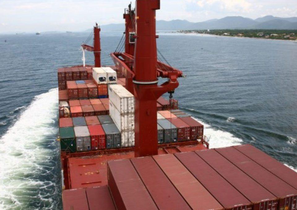 180329-navio-porta-conteiner-cabotagem